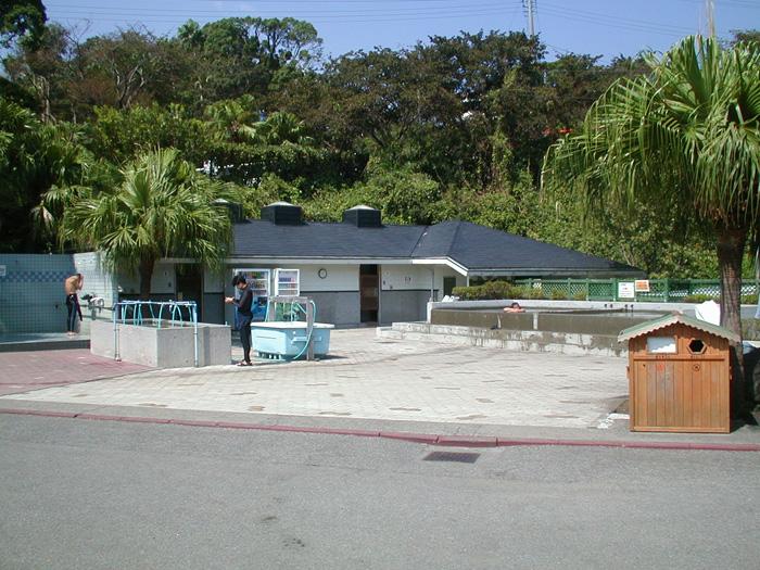 IOPのダイビングサービスの設備(シャワー、トイレ、器材洗い場など)