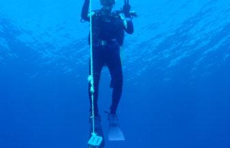 ボートダイビング時で中世浮力に自信がない場合は、潜行につかまって減圧停止をしましょう